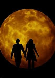 lovers.moon.silhouette